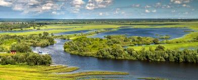 Άποψη της συμβολής του ποταμού Toima στον ποταμό της Kama, Elabuga, Ταταρία, Ρωσική Ομοσπονδία στοκ εικόνα με δικαίωμα ελεύθερης χρήσης