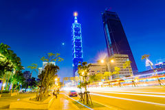Άποψη της Ταϊπέι 101 και της αρχιτεκτονικής τη νύχτα Στοκ φωτογραφία με δικαίωμα ελεύθερης χρήσης