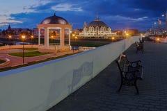 Άποψη της Τούλα νύχτας με rotunda, το ανάχωμα και το μουσείο όπλων Στοκ φωτογραφία με δικαίωμα ελεύθερης χρήσης