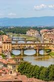 Άποψη της Φλωρεντίας από Piazzale Michelangelo - ποταμός Arno με Ponte Vecchio και Palazzo Vecchio - την Τοσκάνη, Ιταλία στοκ εικόνες