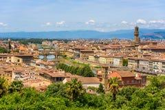 Άποψη της Φλωρεντίας από Piazzale Michelangelo - ποταμός Arno με Ponte Vecchio και Palazzo Vecchio, Duomo Σάντα Μαρία Del Fiore κ στοκ φωτογραφία με δικαίωμα ελεύθερης χρήσης
