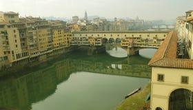 Άποψη της Φλωρεντίας της πόλης και του ποταμού στοκ εικόνα