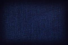 Άποψη της ύφανσης Μια κινηματογράφηση σε πρώτο πλάνο ενός κομματιού του υφάσματος τζιν στοκ φωτογραφία με δικαίωμα ελεύθερης χρήσης