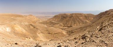 Άποψη τοπίων κοιλάδων βουνών ερήμων, διακινούμενη φύση του Ισραήλ Στοκ Φωτογραφίες