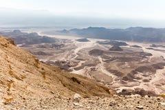 Άποψη τοπίων κοιλάδων βουνών ερήμων, διακινούμενη φύση του Ισραήλ Στοκ Εικόνες