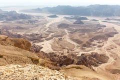 Άποψη τοπίων κοιλάδων βουνών ερήμων, διακινούμενη φύση του Ισραήλ Στοκ Φωτογραφία