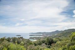 Άποψη τοπίων 3 κόλπων από την άποψη Kata στο νησί Phuket, στοκ φωτογραφίες με δικαίωμα ελεύθερης χρήσης