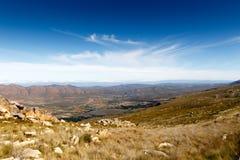 Άποψη τοπίων - σύννεφα πέρα από την κοιλάδα Swartberg στο νότο Afric Στοκ Φωτογραφία
