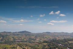 Άποψη τοπίων του βουνού στο βόρειο τμήμα της Ταϊλάνδης Στοκ εικόνα με δικαίωμα ελεύθερης χρήσης
