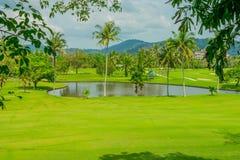 Άποψη τοπίων του γηπέδου του γκολφ στην Ταϊλάνδη Στοκ Εικόνες