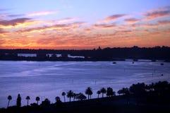 Άποψη τοπίων του ποταμού του Κύκνου κατά τη διάρκεια του ηλιοβασιλέματος Στοκ Εικόνες