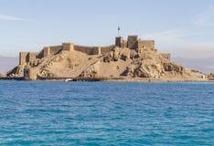 Άποψη τοπίων Salah EL DIN Castle στο νησί Farun στοκ εικόνα