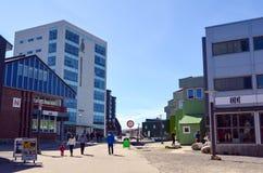 Άποψη τουριστών του Νουούκ, πρωτεύουσα της Γροιλανδίας Στοκ Εικόνες