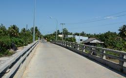 Άποψη του αγροτικού δρόμου σε Tien Giang, Βιετνάμ Στοκ φωτογραφία με δικαίωμα ελεύθερης χρήσης