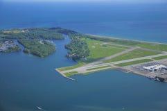 Άποψη του αερολιμένα πόλεων του Τορόντου επισκόπων του Μπίλι. στοκ φωτογραφίες