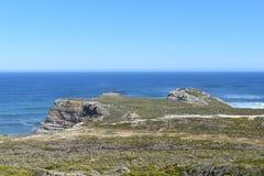 Άποψη του ακρωτηρίου της καλής ελπίδας από το σημείο ακρωτηρίων στο Καίηπ Τάουν στο γύρο χερσονήσων ακρωτηρίων στη Νότια Αφρική Στοκ Φωτογραφία