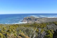 Άποψη του ακρωτηρίου της καλής ελπίδας από το σημείο ακρωτηρίων στο Καίηπ Τάουν στο γύρο χερσονήσων ακρωτηρίων στη Νότια Αφρική Στοκ φωτογραφία με δικαίωμα ελεύθερης χρήσης