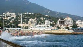 Άποψη του αναχώματος της πόλης Yalta Στοκ Εικόνα
