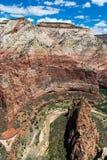 Άποψη του εθνικού πάρκου Zion από την κορυφή Angel's που προσγειώνεται, Γιούτα, ΗΠΑ Στοκ φωτογραφία με δικαίωμα ελεύθερης χρήσης