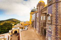 Άποψη του εθνικού παλατιού Pena σε Sintra, Πορτογαλία Στοκ φωτογραφία με δικαίωμα ελεύθερης χρήσης