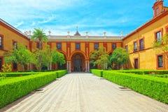 Άποψη του εσωτερικού patio Patio de Λα Monteria του βασιλικού Alcazar στοκ εικόνες