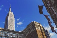 Άποψη του Εmpire State Building όπως βλέπει από Herald την πλατεία μέσα Στοκ Εικόνες