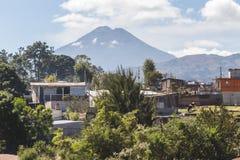 Άποψη του ηφαιστείου στη Γουατεμάλα στοκ φωτογραφίες