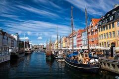 Άποψη του διάσημου Nyhavn το καλοκαίρι, Κοπεγχάγη Στοκ φωτογραφία με δικαίωμα ελεύθερης χρήσης