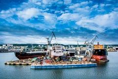 Άποψη του λιμένα και του ναυπηγείου αποβαθρών Στοκ φωτογραφία με δικαίωμα ελεύθερης χρήσης
