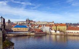 Άποψη του κάστρου της Πράγας από τη γέφυρα του Charles, Δημοκρατία της Τσεχίας Στοκ Εικόνες