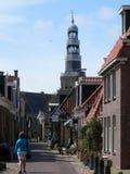Άποψη του καμπαναριού στην εκκλησία Hindeloopen Στοκ φωτογραφία με δικαίωμα ελεύθερης χρήσης