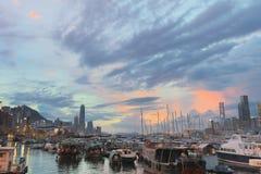 Άποψη του καταφυγίου τυφώνα κόλπων υπερυψωμένων μονοπατιών Καλοκαίρι Στοκ εικόνα με δικαίωμα ελεύθερης χρήσης