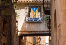 Άποψη του κτηρίου με τη σημαία Estelada, Tarragona, Catalunya, Ισπανία Διάστημα αντιγράφων για το κείμενο Στοκ εικόνα με δικαίωμα ελεύθερης χρήσης