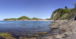 Άποψη του κόλπου και των απότομων βράχων Μαύρη Θάλασσα Στοκ φωτογραφία με δικαίωμα ελεύθερης χρήσης