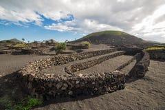 Άποψη του Λα Geria, η περιοχή αμπελοκαλλιέργειας Lanzarote, Ισπανία Στοκ φωτογραφία με δικαίωμα ελεύθερης χρήσης