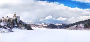 Άποψη του μεσαιωνικού κάστρου σε Niedzica, Πολωνία Στοκ Φωτογραφίες