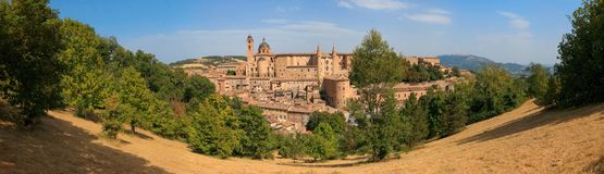 Άποψη του μεσαιωνικού κάστρου στο Ούρμπινο, Marche, Ιταλία Στοκ Εικόνα