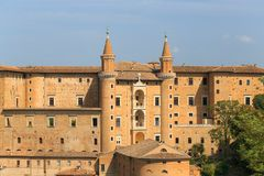 Άποψη του μεσαιωνικού κάστρου στο Ούρμπινο, Marche, Ιταλία Στοκ εικόνες με δικαίωμα ελεύθερης χρήσης
