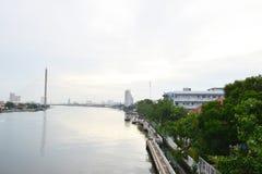 Άποψη του μετώπου ποταμών Chao Phraya Στοκ εικόνα με δικαίωμα ελεύθερης χρήσης