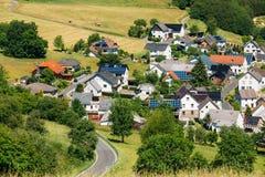 Άποψη του μικρού γραφικού χωριού στη Γερμανία Στοκ εικόνες με δικαίωμα ελεύθερης χρήσης