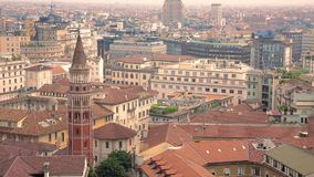 Άποψη του Μιλάνου από Martini τη στέγη πεζουλιών, απόθεμα βίντεο
