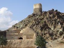 Άποψη του μουσουλμανικού τεμένους και του παρατηρητηρίου Al Bidyah στο Φούτζερα - τα Ηνωμένα Αραβικά Εμιράτα στοκ φωτογραφία με δικαίωμα ελεύθερης χρήσης