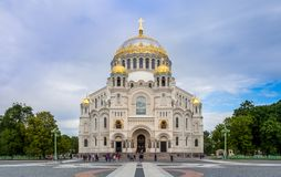 Άποψη του ναυτικού καθεδρικού ναού Άγιου Βασίλη σε Kronstadt Στοκ φωτογραφία με δικαίωμα ελεύθερης χρήσης
