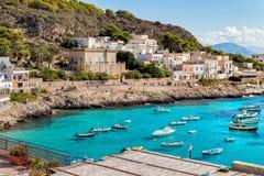 Άποψη του νησιού Levanzo στη Μεσόγειο δυτικά της Σικελίας, Ιταλία στοκ εικόνες