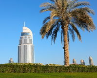 Άποψη του ξενοδοχείου η διεύθυνση στη λεωφόρο του Ντουμπάι Στοκ φωτογραφία με δικαίωμα ελεύθερης χρήσης