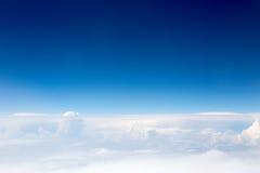 Άποψη του ουρανού και των σύννεφων Στοκ Φωτογραφίες