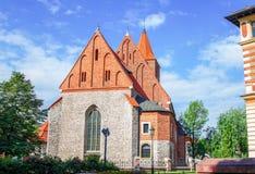 Άποψη του παλαιού κτηρίου κοινοτήτων πετρών καθολικού Στοκ φωτογραφία με δικαίωμα ελεύθερης χρήσης
