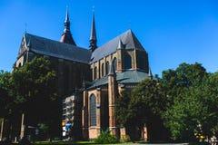 Άποψη του παλαιού τετραγώνου αγοράς κωμοπόλεων πόλεων του $ροστόκ με το Δημαρχείο, ιστορικό κέντρο, Γερμανία Στοκ Φωτογραφίες