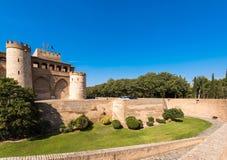 Άποψη του παλατιού Aljaferia, που χτίζεται στο 11ο αιώνα σε Σαραγόσα, Ισπανία Διάστημα αντιγράφων για το κείμενο Στοκ φωτογραφίες με δικαίωμα ελεύθερης χρήσης