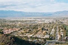 Άποψη του Παλμ Σπρινγκς από το ίχνος πεζοπορίας Araby, στο Παλμ Σπρινγκς, Καλιφόρνια στοκ φωτογραφία με δικαίωμα ελεύθερης χρήσης